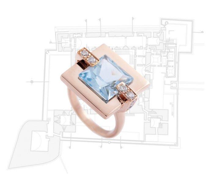 Anello Castello di Trani in Oro rosa 18 carati, Topazio Azzurro eDiamanti Bianchi da 0.27 carati