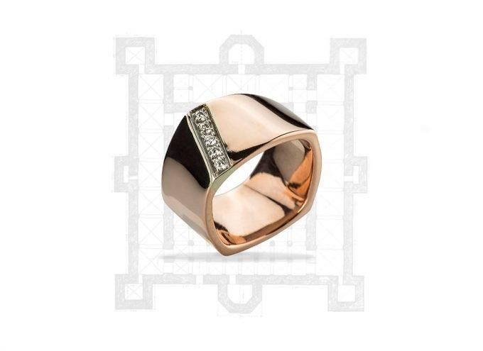 """Anello """"Castello Svevo"""" in Oro Rosa 18 Carati e Diamanti Bianchi da 0.20 Carati"""