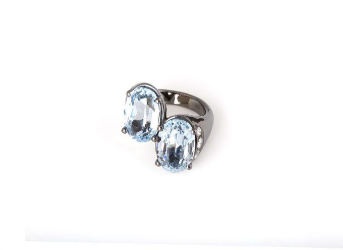 Anello Doppia Onda in Oro bianco 18 carati, Topazio Azzurro e Diamanti