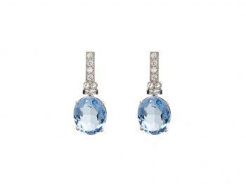 """Orecchini pendenti """"Acqua Blu"""" in Oro Bianco 18 Carati con Topazio Blu e Diamanti Bianchi"""