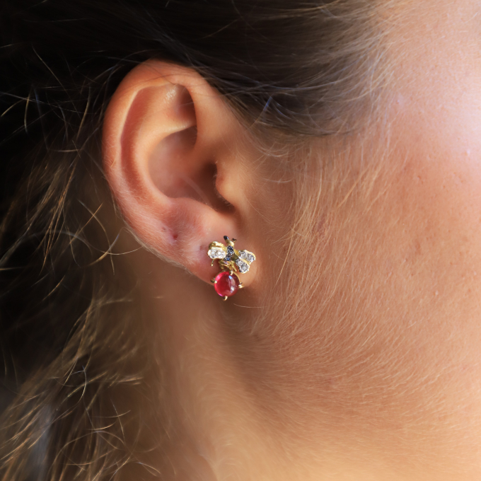 Orecchini Api Piccole 18kt yellow gold diamonds pink tourmaline stud earrings